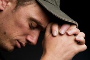 8-priere-seule