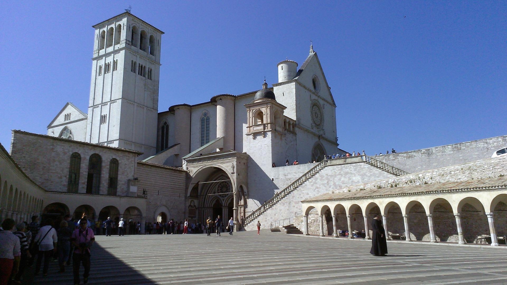 basilique-st-francois-assise-italie