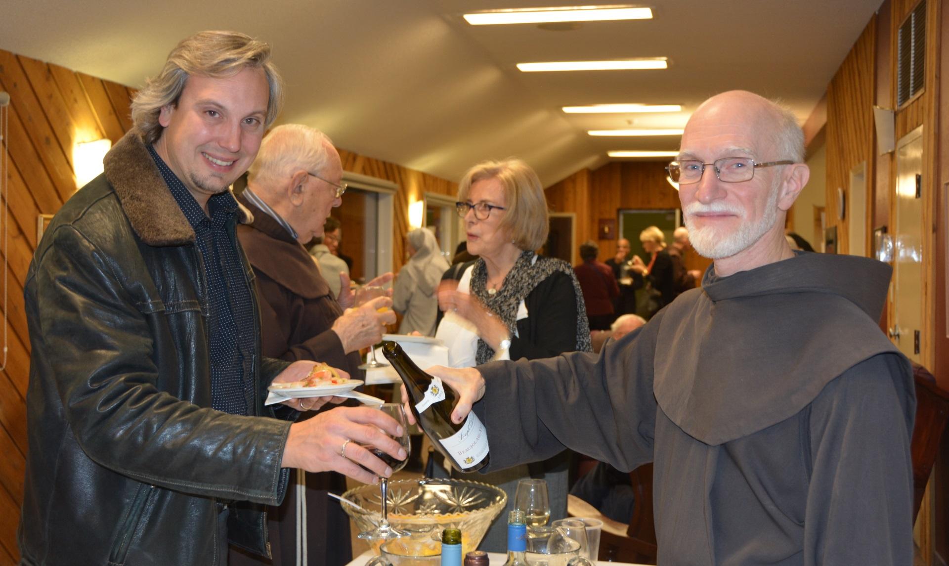 Rencontre entre amis à Mount St. Francis